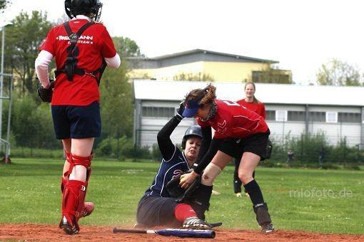 softball-action